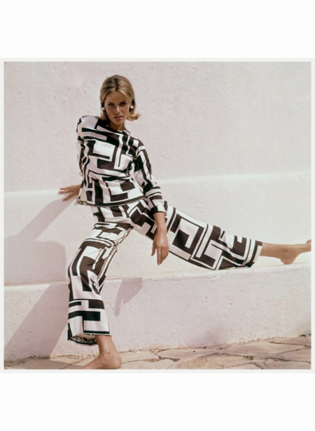 model-posed-before-a-white-wall-wearing-a-black-and-white-silk-pajama-by-emilio-pucci-1965-henry-clake