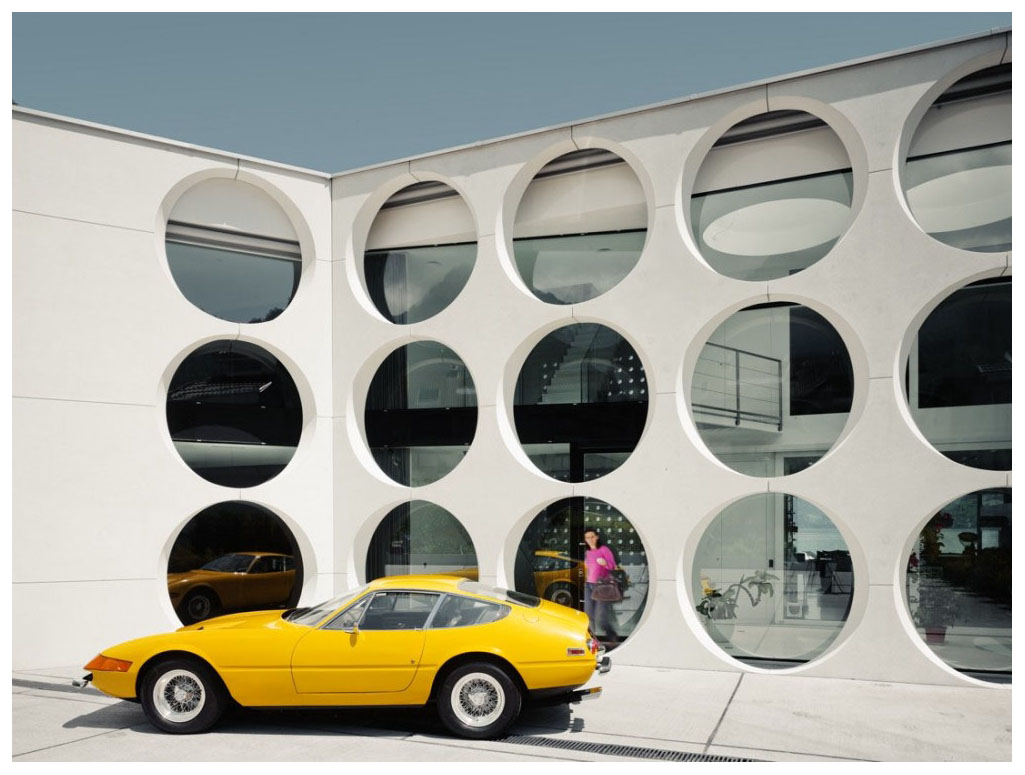 Modern architecture suisse ferrari space age 60 s for Space age design