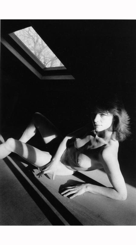 charlotte-rampling-normandy-1985-jeanloup-sieff