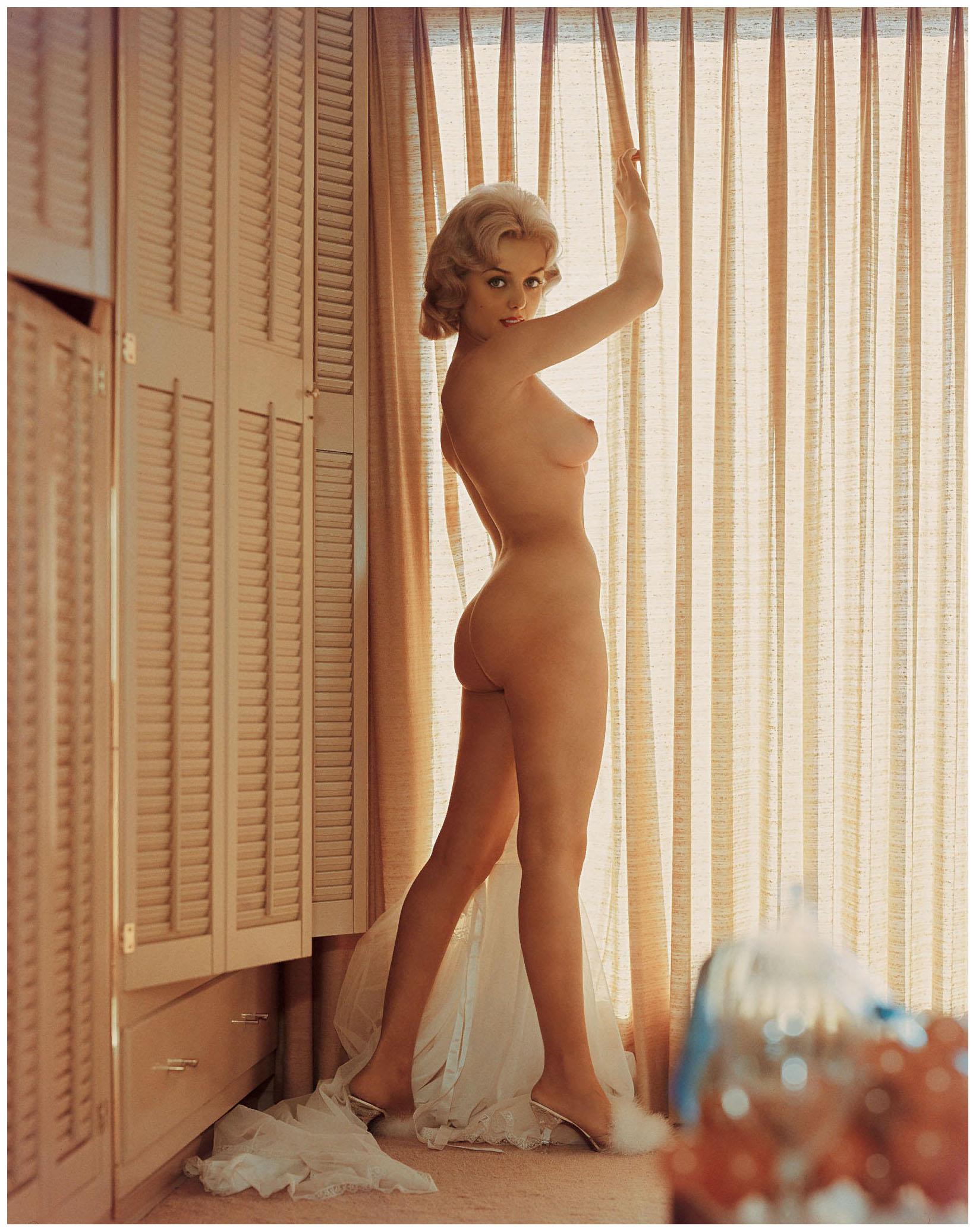 Linda Gamble Nude 2