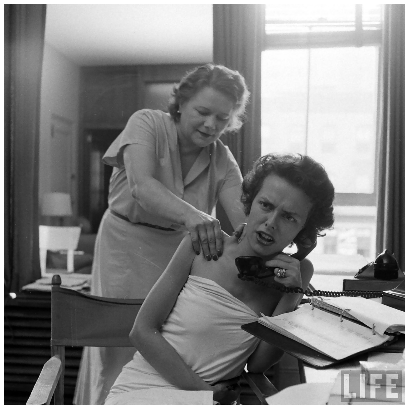 Eileen ford model agengy massage on telephone