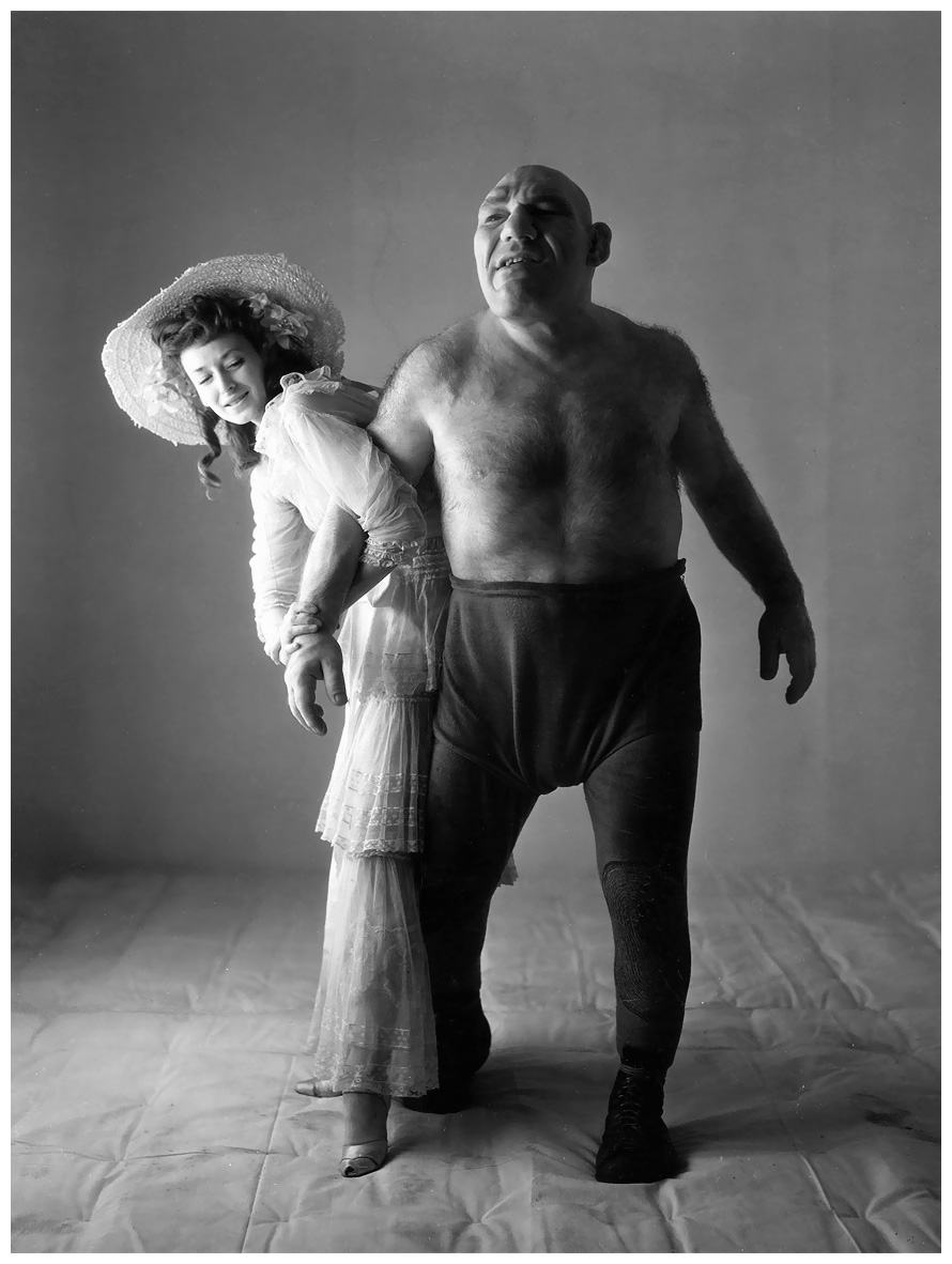http://pleasurephoto.files.wordpress.com/2012/10/dorian-leigh-maurice-tillet-by-irving-penn-1945.jpg