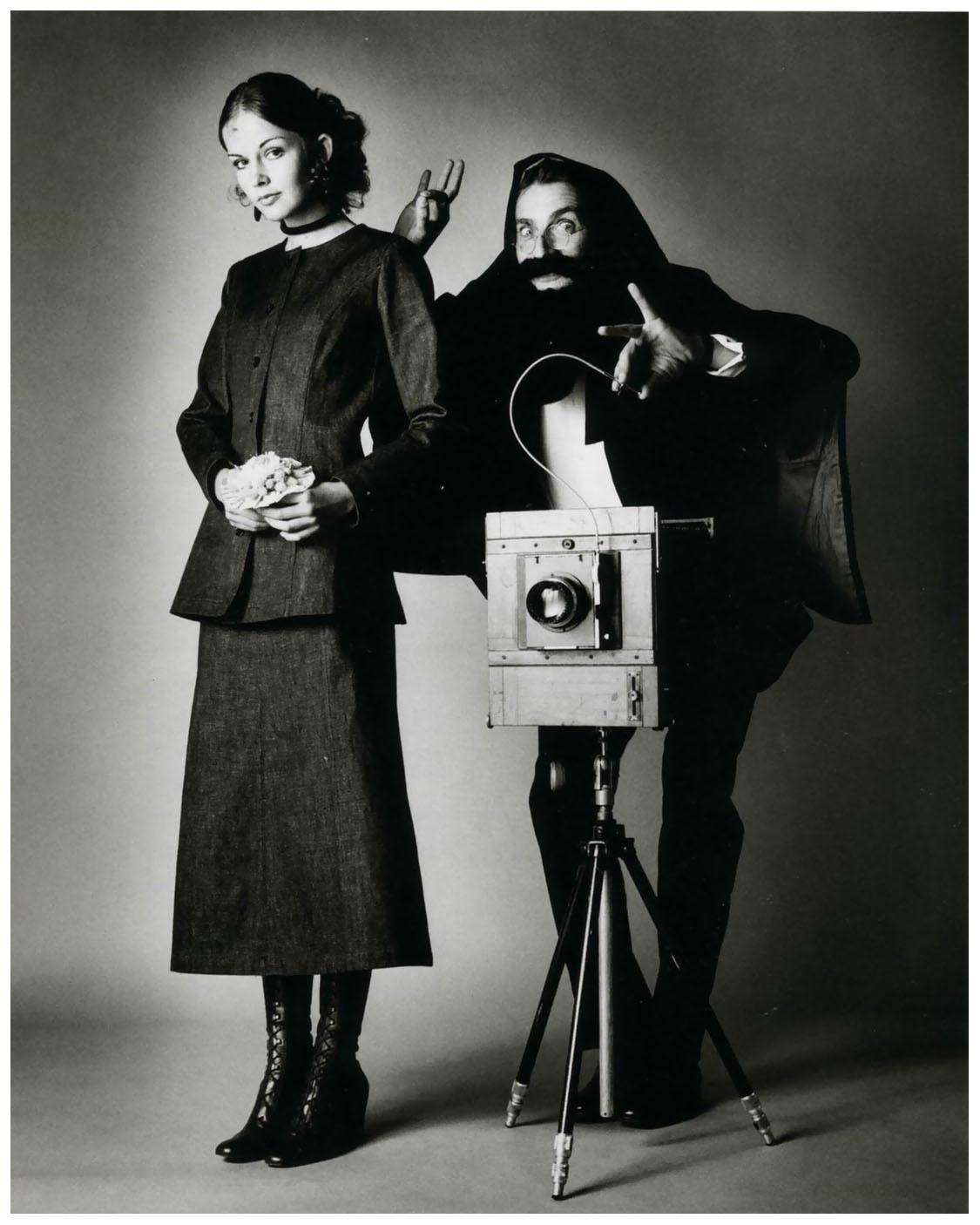 http://pleasurephoto.files.wordpress.com/2012/10/jeanloup-sieff-1960-selfportrait.jpg