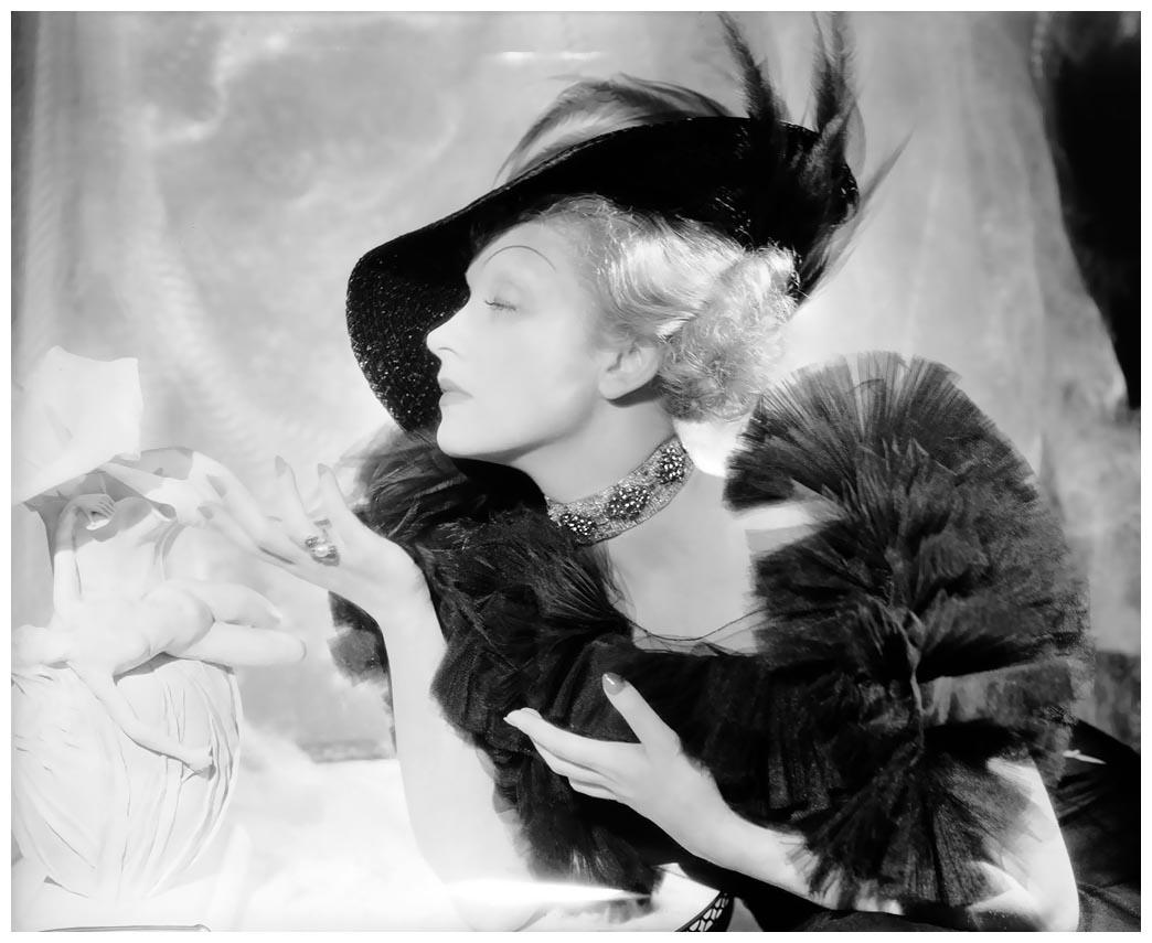 George Rose (1920?988),Joi (singer) Erotic fotos Jade Ecleo (b. 1970),Annalise Basso
