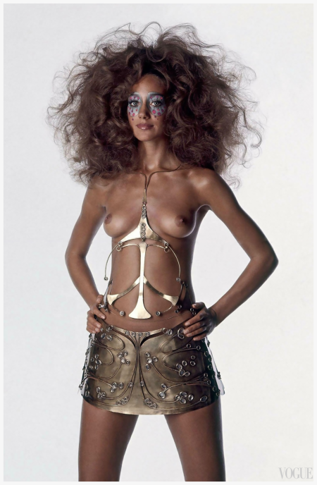 Marisa Berenson - Vogue US, December - 1969 Photo by Irving Penn