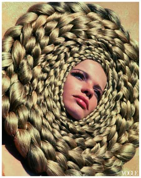 This spectacular crown of hair is part of a beauty editorial shot by Franco Rubartelli, in Egypt, 1967. Born in Florence exactly 30 years previously, he became well-known for the iconic images he captured of Veruschka, which featured in the German, Spanish and French editions of Vogue.