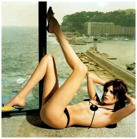 Nadja Auermann photo by Helmut Newton
