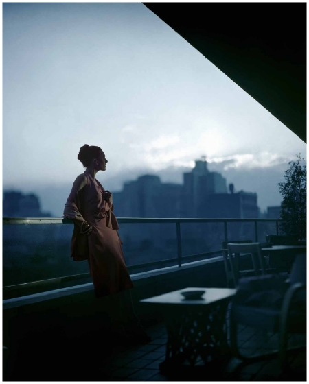 New York state of mind, dress by Clarepotter on the roof of New York's MOMA circa 1945 - Photo Joffe Constantin