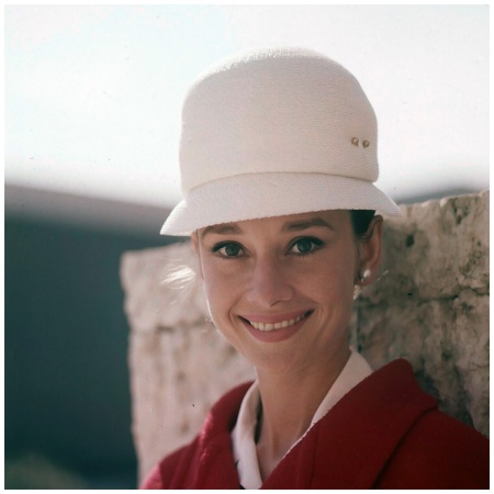 Audrey Hepburn wearing Givenchy, photo by Pierluigi Praturlon, Rome 1961 b