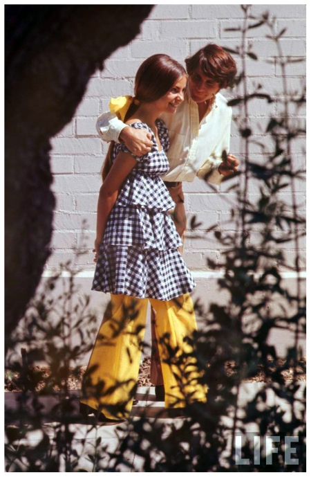 High School Fashion 1969 Arthur Schatz b