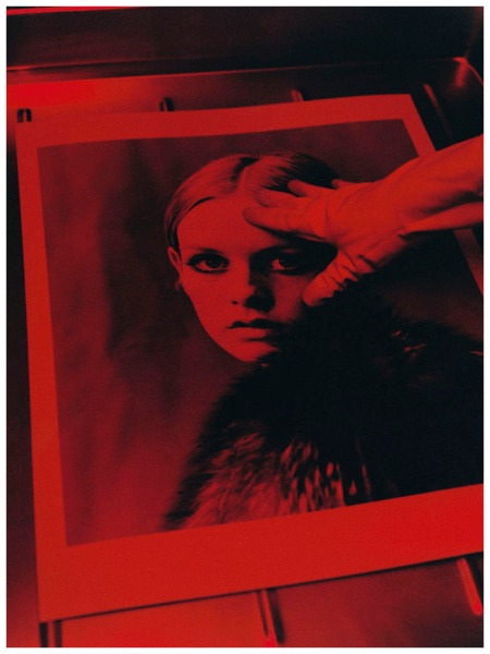 Lord Snowdon by Koto Bolofo, Working on the Twiggy print in the dark room