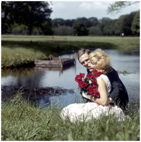Photo Henk Hilterman a couple in romantic bord river NL 1960