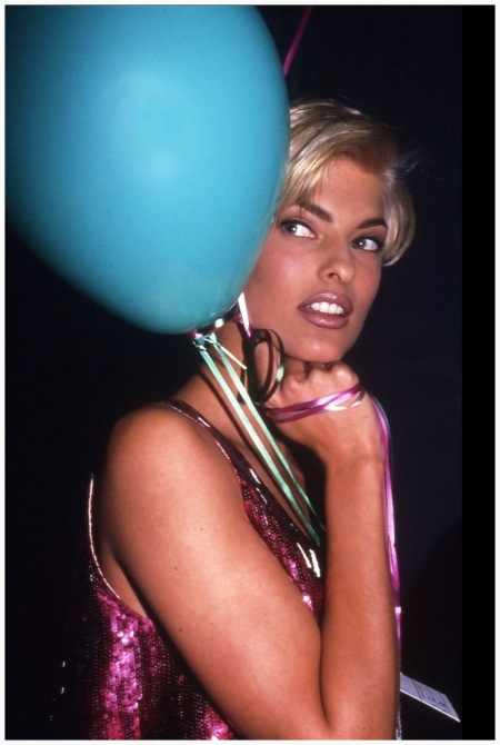 Photo Rose Hartman Linda Evangelista on the Versace Fashion Show Party, 1992