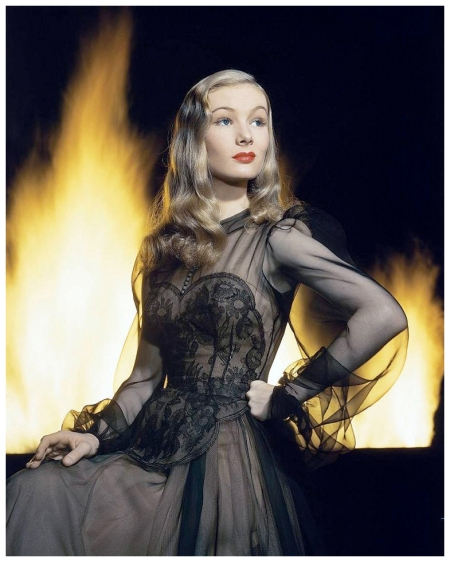 Portrait of lovely Veronica Lake by Eliot Elisofon, Hollywood, 1942
