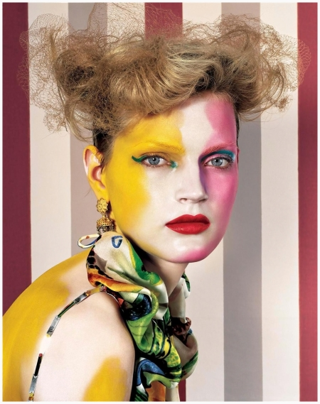 Guinevere Van Seenus makeup fashion