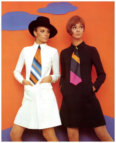 Birgit Larsen (l) and Ina Balke (r) in wool crêpe dresses by Chiwitt, photo by F.C. Gundlach for 'Brigitte' 18:1967, Hamburg