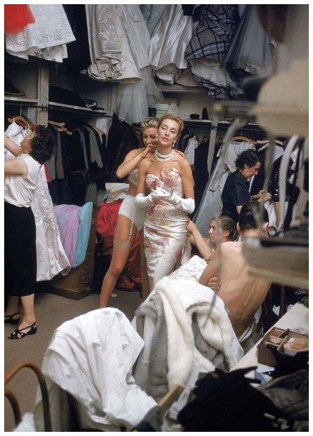 Photo Mark Shaw White Gown and Pearls Backstage at Pierre Balmain #8 Paris, 1954