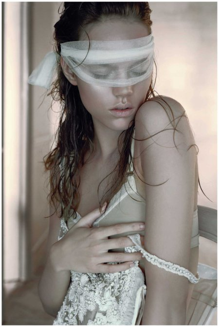 Freja Beha Erichsen Vogue Photo Javier Vallhonrat November 2006