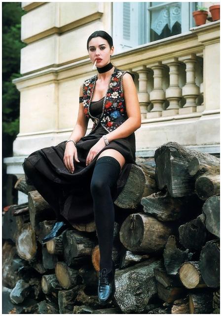 Photo Helmut Newton - Blumarine (1993) - Monica Bellucci