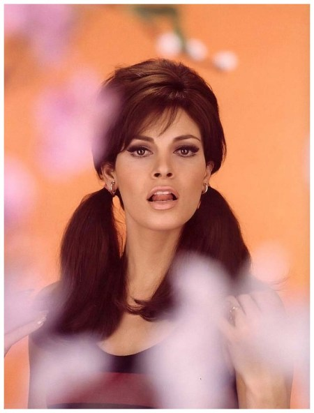 Raquel Welch, photo by Pierluigi Praturlon Rome, Italy, 1968