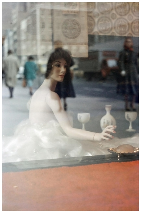 Saul Leiter - Mannequin 1952