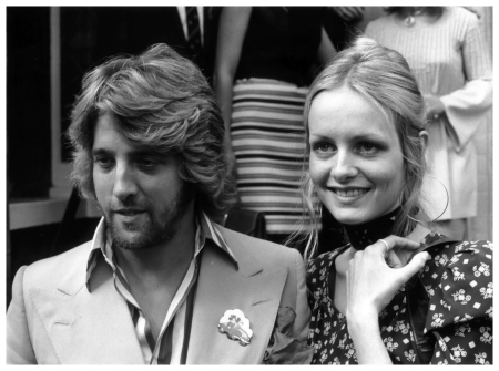 Model Twiggy and her manager-boyfriend Justin de Villeneuve 1970