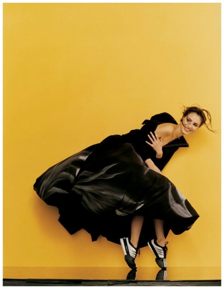 Photo Gilles Bensimon  Fernanda Tavares was all over the June 2001 ELLE