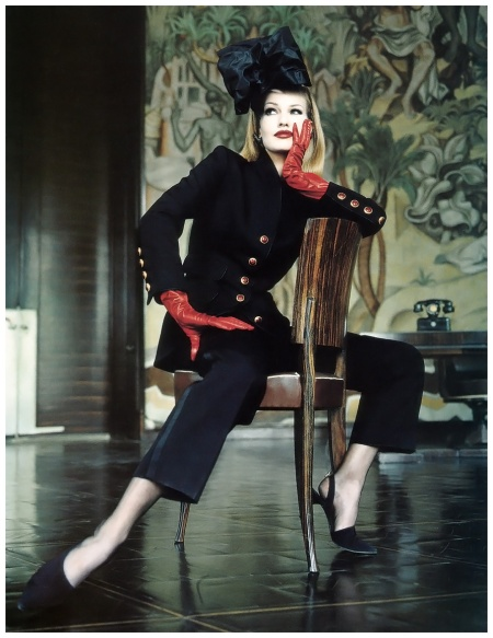 Photo Helmut Newton Karen Mulder Vogue sept 1992