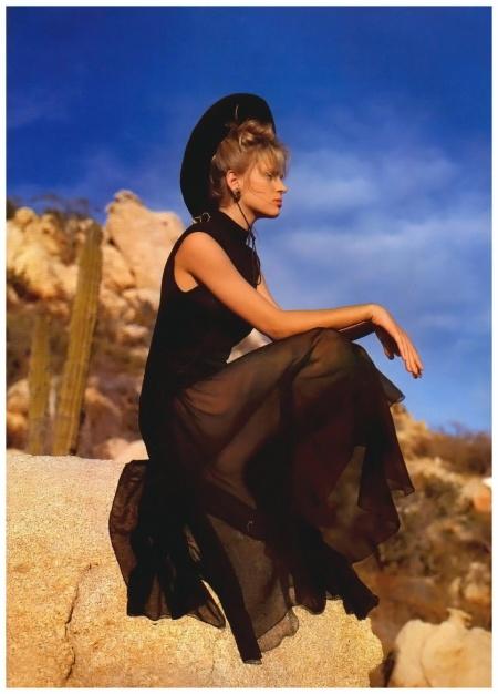 UK Vogue May 1986 Uma Thurman Photo Patrick Demarchelier b
