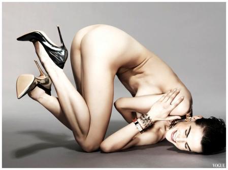 Saskia De Brauw Vogue NL 2012 cover