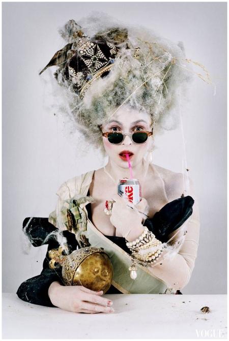 Photo Tim Walker - Helena Bonham Carter as disgruntled queen, Shoreditch, 2010