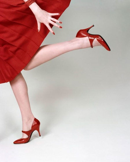 Models Legs Running In Red Glac Lizard