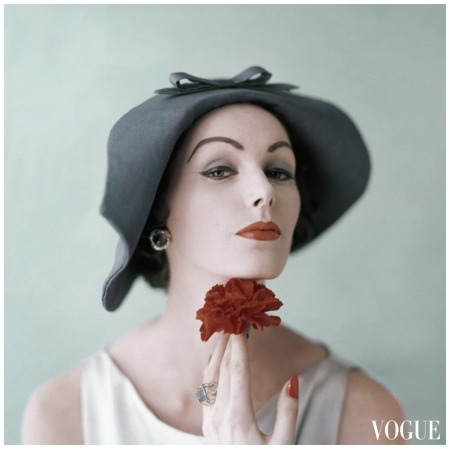 Vogue April 1957 Photo Karen Radkai