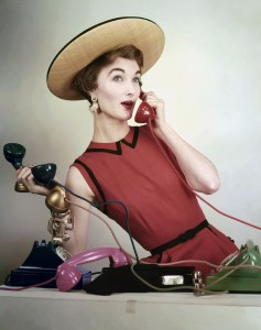 erwin-blumenfeld-vogue-april-1953-juggling-phone-calls