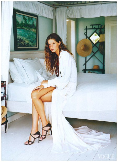 Gisele Bündchen, photographed on Harbour Island, Bahamas, by Arthur Elgort, Vogue, April 1999