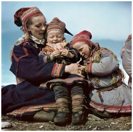 Lapon Family Norway 1951 b