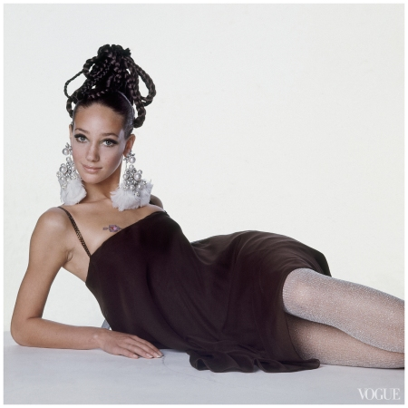 Marisa Berenson Photographed by Irving Penn, Vogue, September 1, 1967