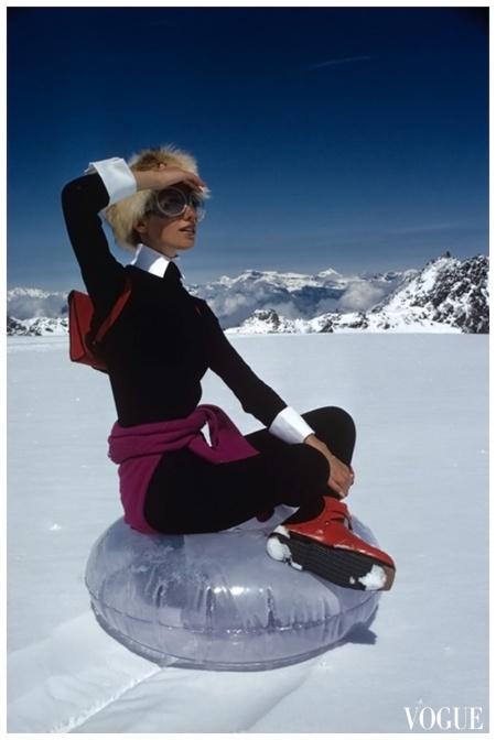 VOGUE - NOV 1968 - Marisa Berenson a Top Glacier Photo Arnaud De Rosnay