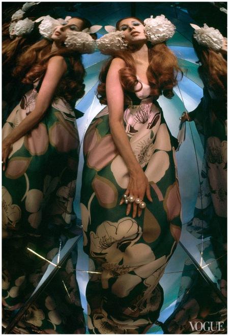 Marta Montt - Photo Raymundo de Larrain, Vogue - March 1969