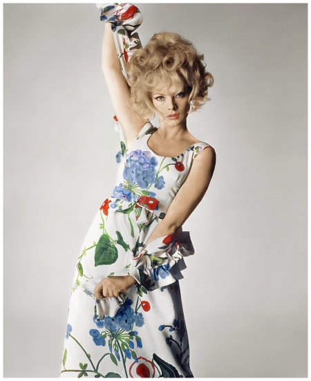 Virna Lisi Photo Irving Penn, Vogue, April 1, 1965