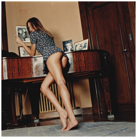Carla Bruni with Family Photos, at home in Cavalière, France, 1992 Photo Helmut Newton