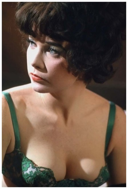 Shirley MacLaine sul set del film %22Irma La Douce%22, Hollywood 1963 © Willy Rizzo