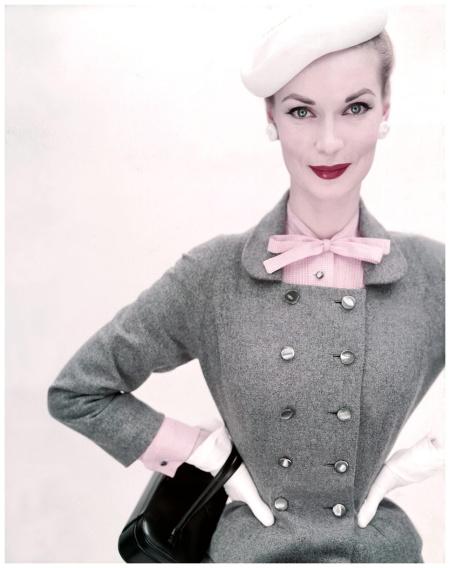 Model Janet Randy  Clifford Coffin 15 feb 1952 Vogue Cover copia
