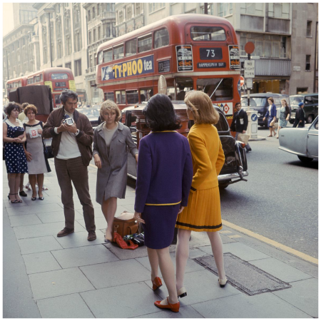 England, London 1966, Paul Huf working on a fashion shoot for Avenue Photo Sem Presser