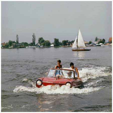 Loosdrecht Lakes ca 1964, sailing with Amphicar, summer Photo Kees Sherer