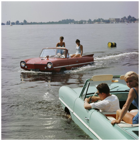 Loosdrecht Lakes ca 1964, sailing with Amphicars, summer day, sun, women Photo Kees Sherer