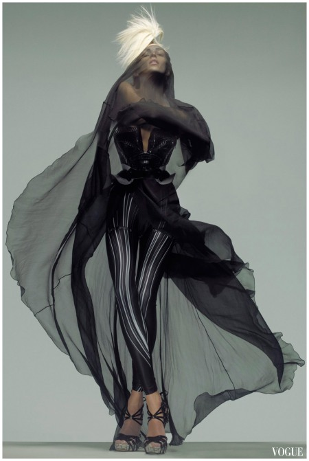 Anja Rubik n Alexander Mcqueen vogue mar 2009 Photo Nick Knight b