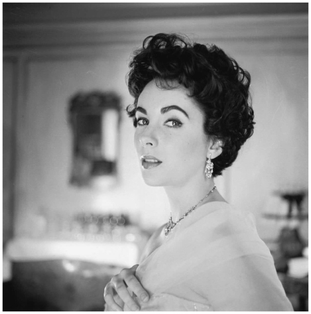 Elizabeth Taylor, 1957 Photo Cecil Beaton