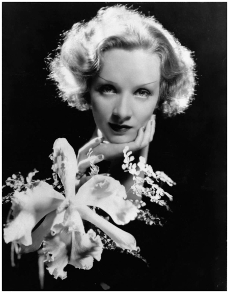 Marlene Dietrich, 1930 Photo Cecil Beaton
