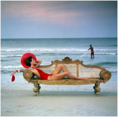 Pilar Crespi in a Krizia bathing suit, on the coral sands of Trincomalee, 1980 - Photo Norman Parkinson b